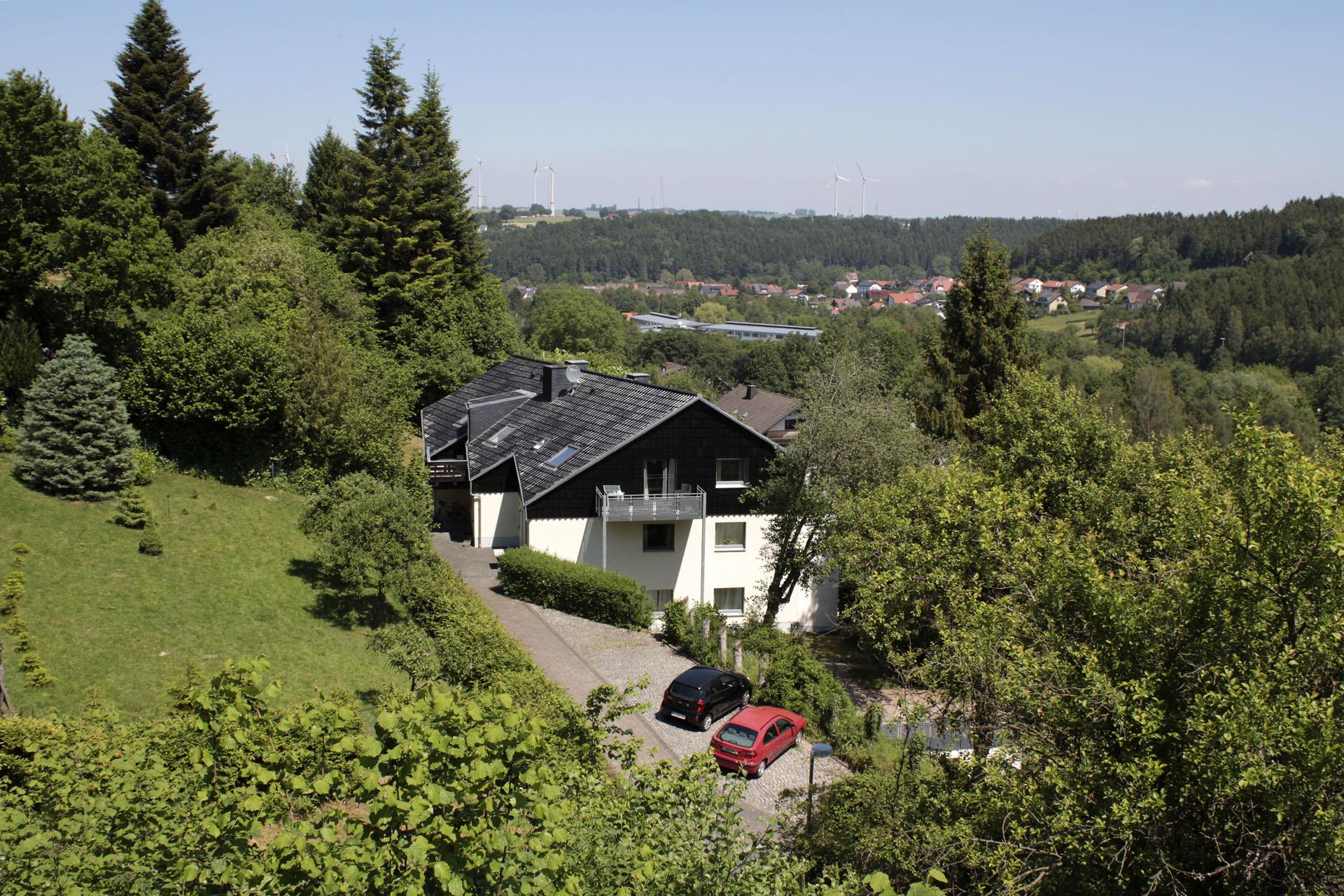 ferienhaus waldblick ferienwohnung 50 qm mit 2 schlafzimmern ferienhaus r. Black Bedroom Furniture Sets. Home Design Ideas